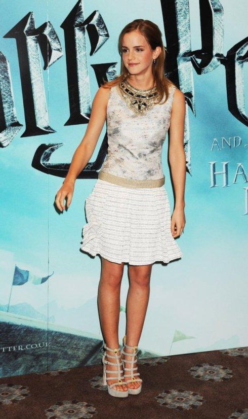 90020_Celebutopia-Emma_Watson-Harry