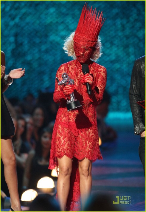lady-gaga-2009-mtv-vma-07